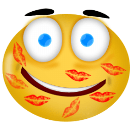 Kiss Smiley Icon PNG Images